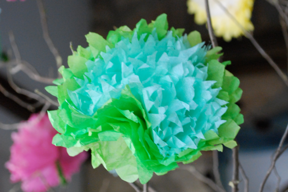 My first business was creating paper flowers like this one - Pyragraph
