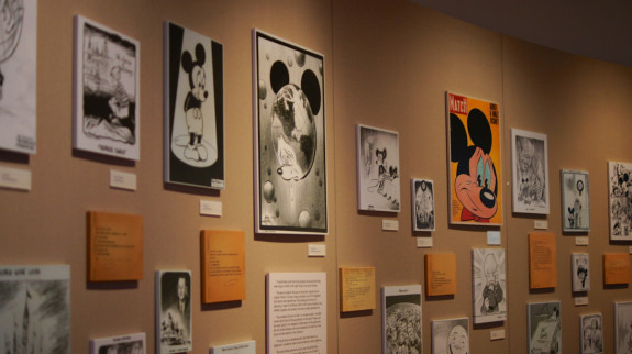 Display commemorating Walt Disney's death - Pyragraph