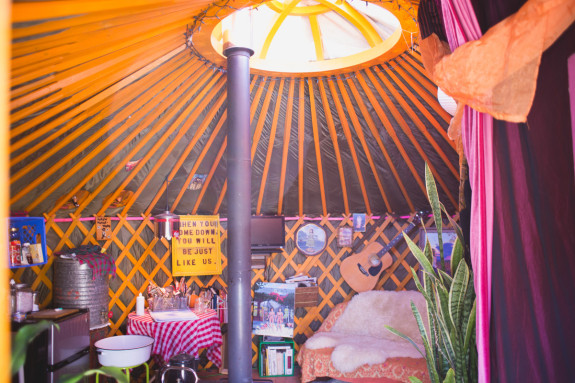 Beth Moore-Love yurt - Pyragraph
