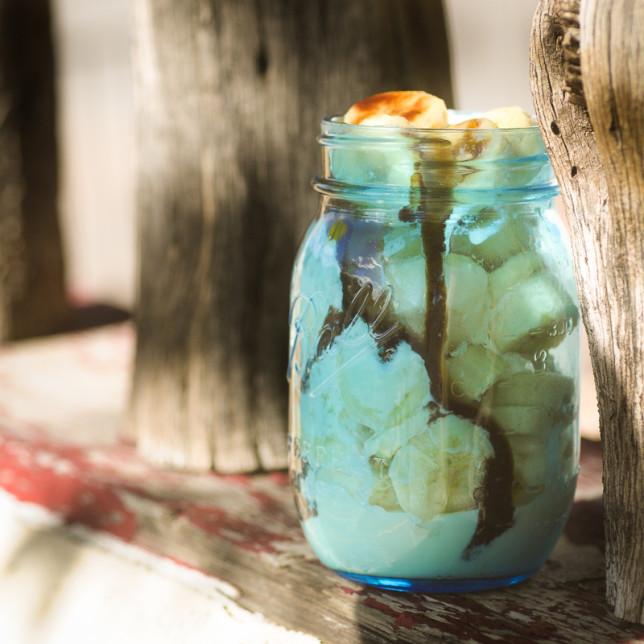Ball jar banana split - Clarke Conde - Pyragraph