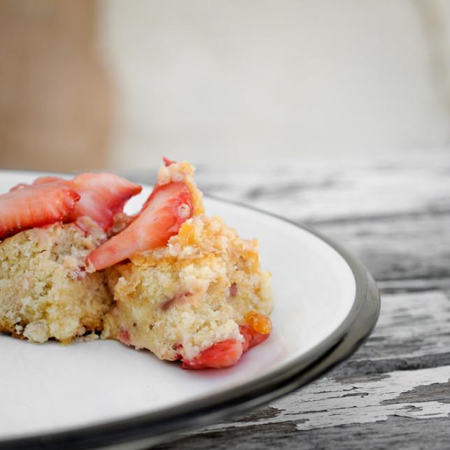 Strawberry layer cake - Clarke Conde - Pyragraph