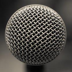 Microphone - Clarke Condé - Pyragraph