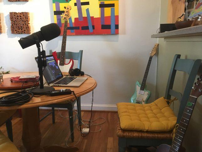 Strange Magic's dining table studio - Pyragraph